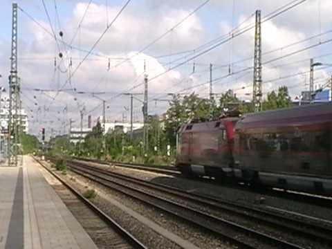 1116 215-3 mit Railjet + 1116 xxx-x mit Railjet in München Heimeranplatz am 30.05.09