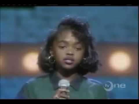 Lauryn Hill gets BOOED at age 13 (Live at the Apollo Amature Night 1987)