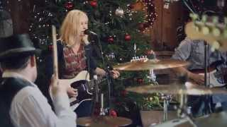 Shelby Lynne -- Leaving [Live from Daryl's House #61-04]