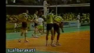 أمام  20  ألف  شاهد البرازيل و أمريكا ــ بطولة العالم للكرة الطائرة 94