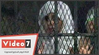 بالفيديو.. أول ظهور لبطلة كليب سبب إيدى بملابس السجن