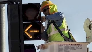 Street Traffic Light Repair