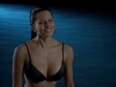 Simmone Jade Mackinnon in Baywatch Hawaii S10E06