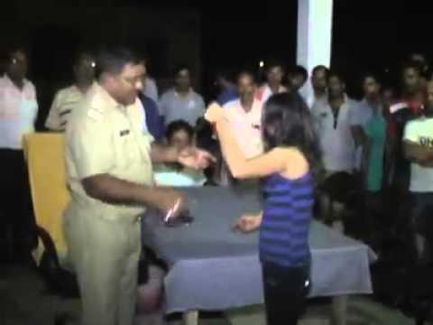 Drunk Girl Gali Galoch With Police