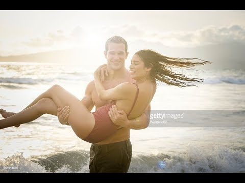 NEW COUPLE ENJOY SEA BATH IN DIGHA