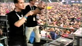 BLANK & JONES - LIVE @ LOVEPARADE 2000.mpg