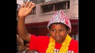 के गर्दैछन २ वर्षिया बालिकालाई सेतीको खोँचबाट निकाल्ने कमल ?  Amazing Child Heroes Kamal Nepali //