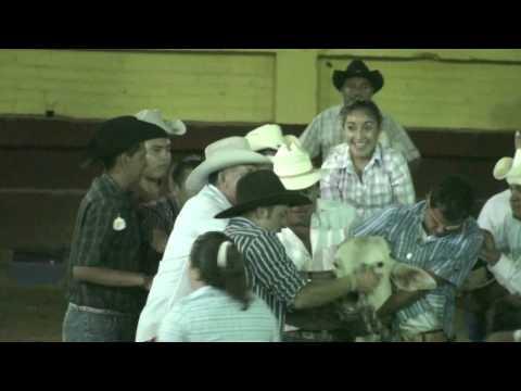 Huitzuco Torean montan Mujeres Toros 28 feb 09 part 24
