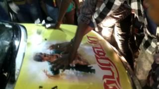 Bairava FDFS Covai Ganga Theatre 4.30 Am VIJAY fans massive crowd 100 feet road blocked