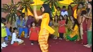 Hot and Beautiful Asian Girl Dancing Video 720p HD
