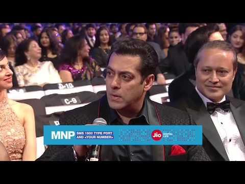 Xxx Mp4 Shahrukh Convinces Salman To Port His Number Watch Salman React 3gp Sex