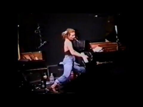 Xxx Mp4 1996 09 24 Tori Amos With Steve Caton Normal Ill FULL SHOW 3gp Sex