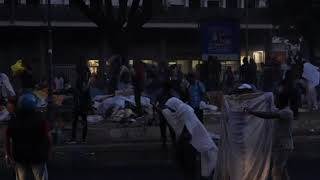 Clashes in Rome as police evict refugee squatters from square