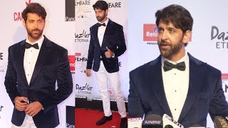 Handsome Hunk Hrithik Roshan At Filmfare Glamour and Style Awards 2017 Red Carpet