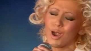 CHRISTINA AGUILERA Beautiful (live Ophrah Winfrey Show 2004)