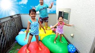 巨大水風船でトランポリン!!夏の終わりにベランダに大量水風船で大はしゃぎ♡himawari-CH