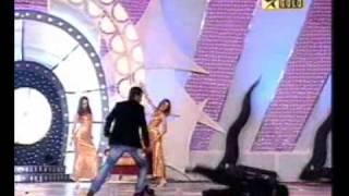 DHONI KAA KAMAL IN DANCE