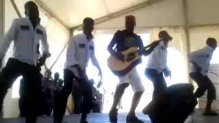 Amangukumane Ft Mjikijelwa  perfomance 2015