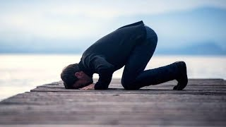 احذر  أن تصلي و لا تقبل صلاتك عند الله بسبب فعل يقوم به الكثير في الصلاة تعرفوا عليه..!