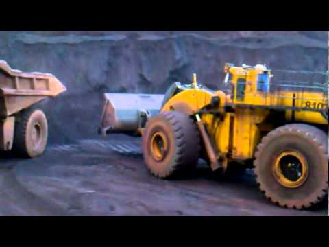 Pá mecânica L.2350 em carajás Pa no minério.mp4