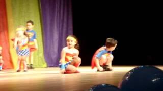 Mariah - Apresentação Super Heróis - Teatro Bom Jesus - Nov 2011