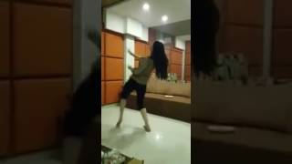 Beautiful Pakistani girl dance ..