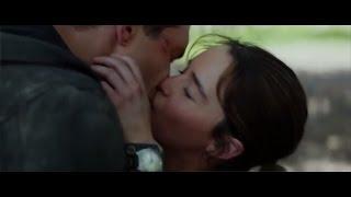 Jai Courtney and Emilia Clarke hot kiss in Terminator Genisys