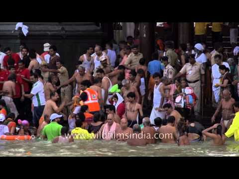 Mass bathing at Ramkund Lake - Nashik Kumbh Mela