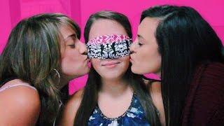 Kissing Challenge! (Lesbian)