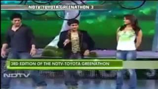 Singer KK Performing Live With Shahrukh Khan And Priyanka Chopra