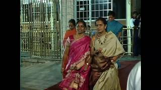 Tamil Actress visits Tirumala with friends exclusive video
