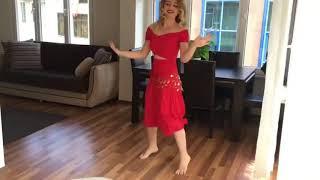 رقص منزلي من بنت قمر   5