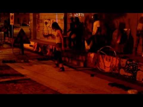 Firenze Piazza alberti notte bianca awani,ragazza danza con un cerchio...