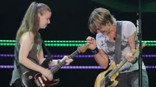 Keith Urban Pulls 19-Year-Old Girl Out of the Crowd to Play Guitar