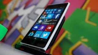 Lumia 735 / Lumia 730 Hands-On: Windows Gets A Selfie Phone