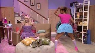 Jennifer Lopez twerking to Rihanna's