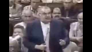 شاهد كيف كان كمال الشاذلي يعامل مرتضى منصور بكل احتقار داخل البرلمان