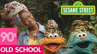 Sesame Street: Singing About Friendship with Erykah Badu