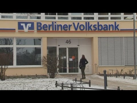 Bank robbers tunnel into vault in Berlin