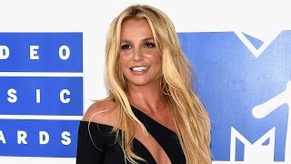 Britney Spears Posts Topless Throwback -- See the Pic!