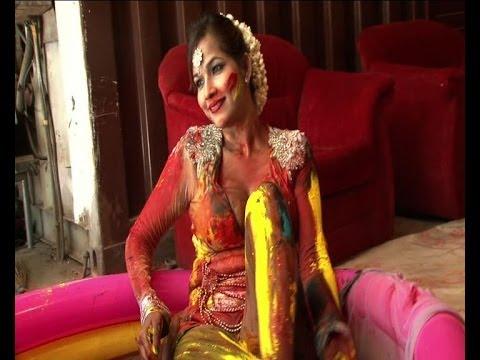 Tanisha Singh goes semi-nude for Holi photoshoot
