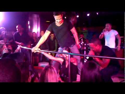 Dale perreo cubana bailando regueton Los 4 Los salvajes despelote y gozadera