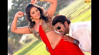 Actress Anjali Hot Navel Show in Public