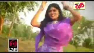 Bangla Song Oh Tunir Ma Tumar Tuni Kotha Sune Na