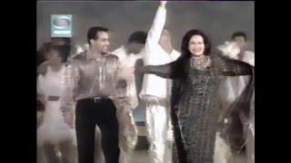 Salman Khan salutes and dances with his stepmom Helen Khan in Golden Girl Concert  2001