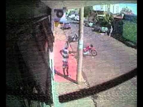 FLAGRANTE roubando moto