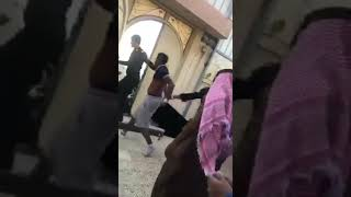 ابشركم تم القبض على الجاني اللي حاول اختطاف الحدث قبل يومين في مدينه الرياض .