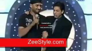 Shahrukh Khan insulting harbhajan singh and praising Pakistani pathans