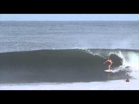 Pros free surfing in El Salvador