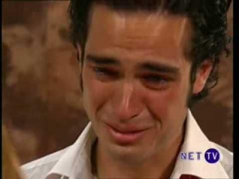 Miguel le pide perdon a Mia